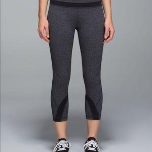 Lululemon Run: Inspire Crop II *All Luxtreme Herringbone Black \ Grey Size 8